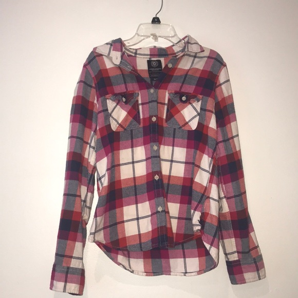 American Eagle Outfitters Tops - American Eagle plaid long sleeve